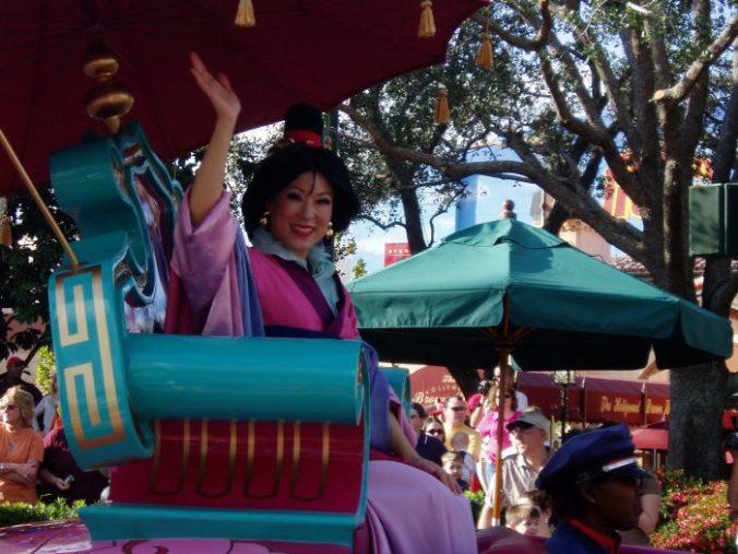 Parade avec Mulan